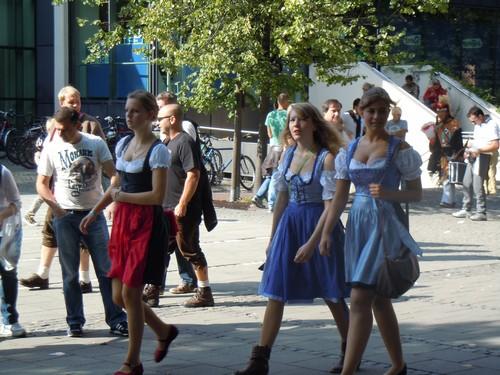 PHOTOS DE L'OKTOBERFEST 2011 A MUNICH Dscn1161-2d31f16
