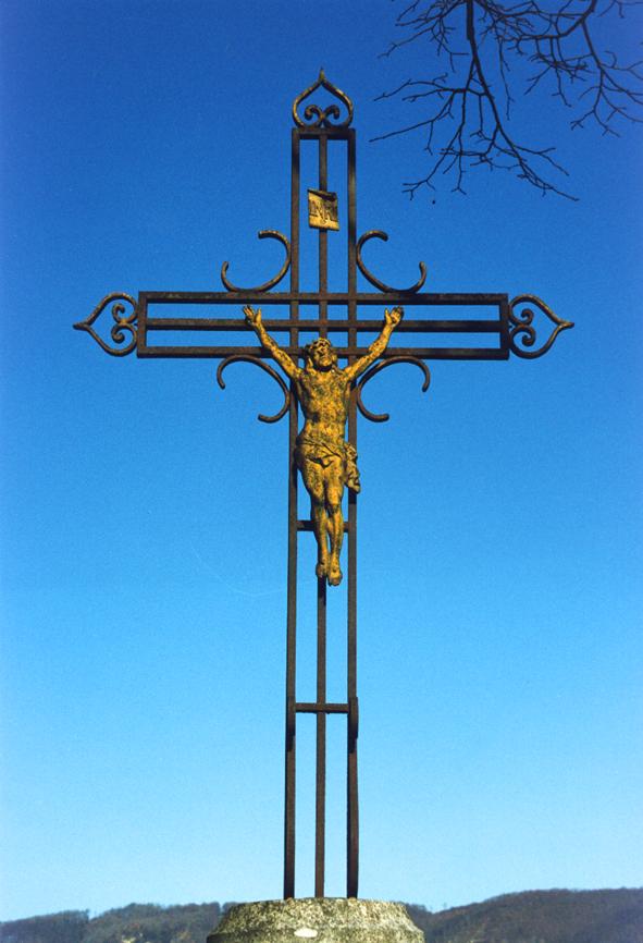 Sacrilège ou prodige ? - Page 2 La-croix-au-christ-jaune-31d9a10