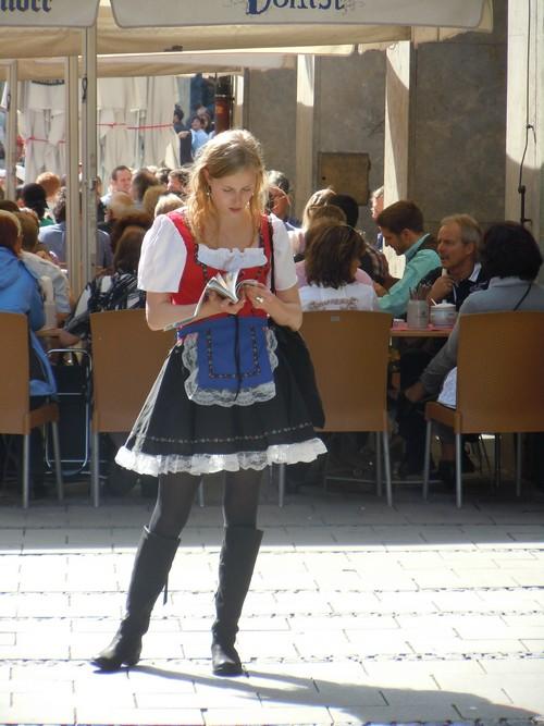 PHOTOS DE L'OKTOBERFEST 2011 A MUNICH Dscn1139-2d31f0c