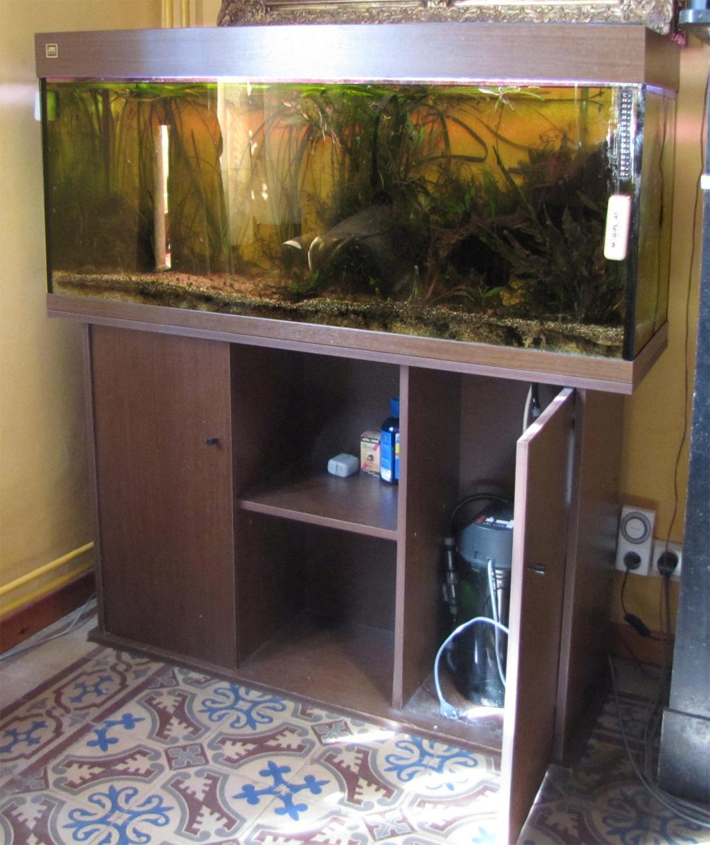 meuble aquarium ikea. Black Bedroom Furniture Sets. Home Design Ideas