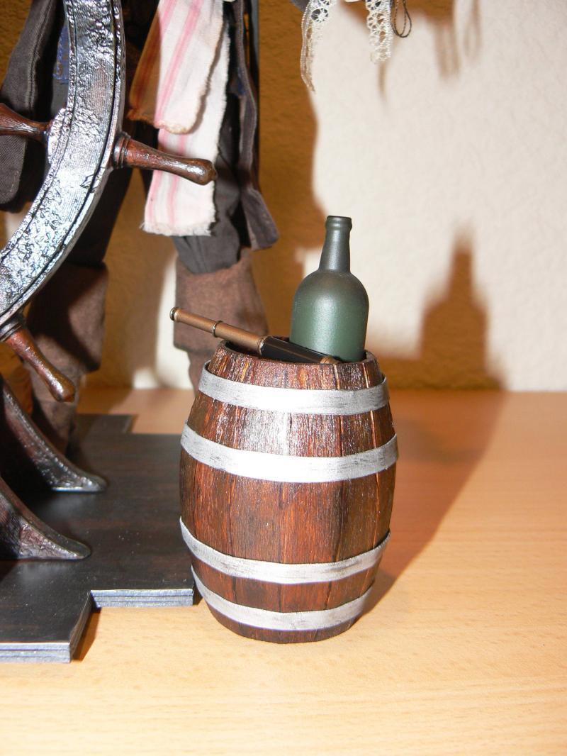 Les customs du Skarabee - tonneau de rhum en bois pour mon capitain (page 4) - Page 3 P1030462-31dae8e